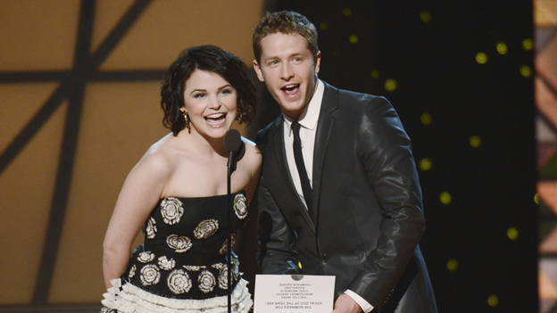 "THE 45th ANNUAL CMA AWARDS - THEATRE - ""The 45th Annual CMA Awards"" broadcast live on ABC from the Bridgestone Arena in Nashville on WEDNESDAY, NOVEMBER 9 (8:00-11:00 p.m., ET). (ABC/KATHERINE BOMBOY-THORNTON)GINNIFER GOODWIN, JOSH DALLAS"