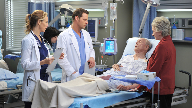 "GREY'S ANATOMY - ""The Lion Sleeps Tonight"" - A lion breaks loose in Seattle, leaving a couple's lives and relationship at risk; Lexie overhears Mark's discussion about moving in with Julia; Teddy begins to take steps towards coming to terms with Henry's death; Callie grills Arizona on her past lovers; and Alex requests to be taken off Morgan's preemie case when she becomes too dependent on him. Meanwhile, Meredith tries to be a support for Cristina as the tension between her and Owen hits a boiling point, on Grey's Anatomy, THURSDAY, APRIL 5 (9:00-10:01 p.m., ET) on the ABC Television Network. (ABC/RICHARD FOREMAN)KIM RAVER, JUSTIN CHAMBERS, RANCE HOWARD, ELIZABETH FRANZ"