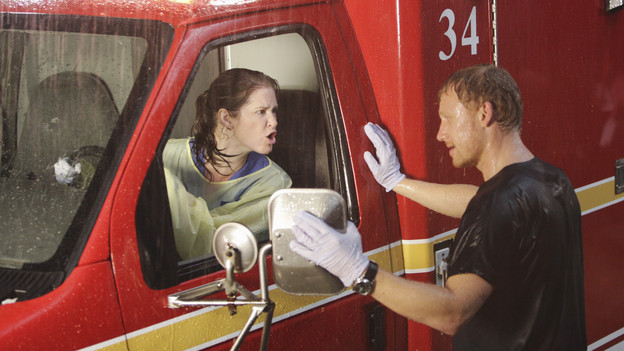 "GREY'S ANATOMY - ""That's Me Trying"" - The residents are pushed to their limits when Owen puts them through a rigorous trauma certification drill; meanwhile, Cristina is also tested when left alone to monitor a very ill lung transplant patient, on ""Grey's Anatomy,"" THURSDAY, NOVEMBER 4 (9:00-10:01 p.m., ET) on the ABC Television Network.(ABC/ADAM TAYLOR)SARAH DREW, KEVIN MCKIDD"