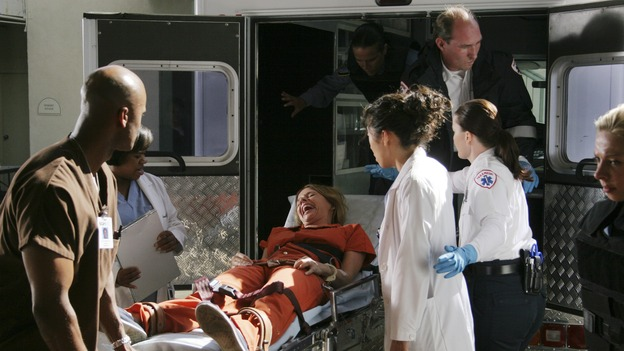 "GREY'S ANATOMY - ""Owner of a Lonely Heart"" (ABC/RICHARD CARTWRIGHT)CHANDRA WILSON, ROSANNA ARQUETTE, SANDRA OH"