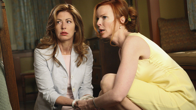 "DESPERATE HOUSEWIVES - ""Desperate Housewives"" concludes the season in fitting fashion with a dramatic two-hour Season Finale, SUNDAY, MAY 18 (9:00-11:00 p.m, ET) on the ABC Television Network. In the second hour, ""Free"" (10:00-11:00 p.m.), Bree and Katherine are held hostage by Wayne Davis. (ABC/CRAIG SJODIN) DANA DELANY, MARCIA CROSS"