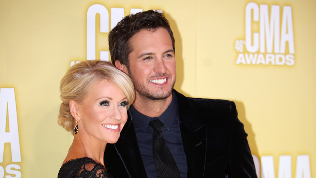 "THE 46TH ANNUAL CMA AWARDS - RED CARPET ARRIVALS - ""The 46th Annual CMA Awards"" airs live THURSDAY, NOVEMBER 1 (8:00-11:00 p.m., ET) on ABC live from the Bridgestone Arena in Nashville, Tennessee. (ABC/SARA KAUSS)LUKE BRYAN"