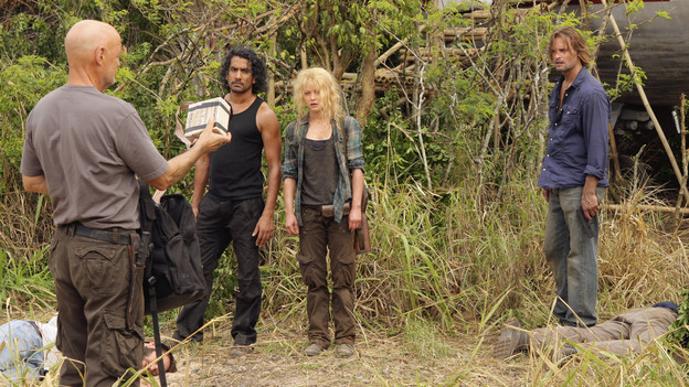 "LOST - ""The Candidate"" - Jack must decide whether or not to trust Locke after he is asked to follow through on a difficult task, on ""Lost,"" TUESDAY, MAY 4 (9:00-10:02 p.m., ET) on the ABC Television Network. (ABC/MARIO PEREZ) TERRY O'QUINN, NAVEEN ANDREWS, EMILIE DE RAVIN, JOSH HOLLOWAY"