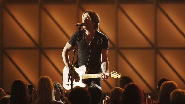 "THE 45th ANNUAL CMA AWARDS - THEATRE - ""The 45th Annual CMA Awards"" broadcast live on ABC from the Bridgestone Arena in Nashville on WEDNESDAY, NOVEMBER 9 (8:00-11:00 p.m., ET). (ABC/KATHERINE BOMBOY-THORNTON)KEITH URBAN"
