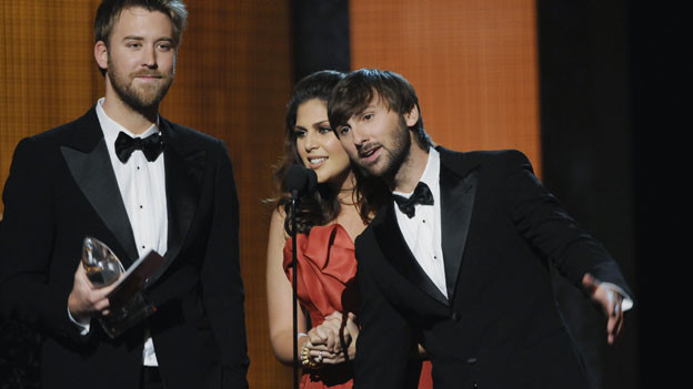 "THE 44TH ANNUAL CMA AWARDS - THEATRE - ""The 44th Annual CMA Awards"" were broadcast live from the Bridgestone Arena in Nashville, WEDNESDAY, NOVEMBER 10 (8:00-11:00 p.m., ET) on the ABC Television Network. (ABC/KATHERINE BOMBOY)LADY ANTEBELLUM"