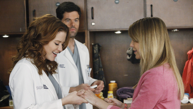 "GREY'S ANATOMY - ""If/Then"" - As Meredith puts Zola to bed and falls asleep, she begins to wonder -- what if her mother had never had Alzheimer's and she'd had loving, supportive parents? The reverberations of a happy Meredith Grey change the world of Seattle Grace as we know it. What if she had never met Derek in that bar and he had never separated from Addison? What if Callie and Owen had become a couple long before she met Arizona? And what if Bailey never evolved from the meek intern she once was? ""Grey's Anatomy"" airs THURSDAY, FEBRUARY 2 (9:00-10:02 p.m., ET) on the ABC Television Network. (ABC/VIVIAN ZINK)SARAH DREW, ROBERT BAKER, ELLEN POMPEO"