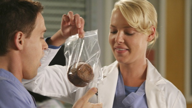 "GREY'S ANATOMY - ""Here Comes the Flood"" - A plumbing leak becomes a deluge and wreaks havoc at Seattle Grace, as the Chief attempts to implement new teaching policies and George tries to retake his residency exam; meanwhile Derek hopes to move the roommates out of Meredith's house, to their surprise, on ""Grey's Anatomy,"" THURSDAY, OCTOBER 9 (9:00-10:01 p.m., ET) on the ABC Television Network. (ABC/DANNY FELD)T.R. KNIGHT, KATHERINE HEIGL, CHYLER LEIGH"