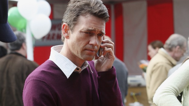 "DESPERATE HOUSEWIVES - ""Liaisons"" - Ian makes a very important looking call, on ""Desperate Housewives,"" SUNDAY, APRIL 15 (9:00-10:01 p.m., ET) on the ABC Television Network. (ABC/DEAN HENDLER) DOUGRAY SCOTT"