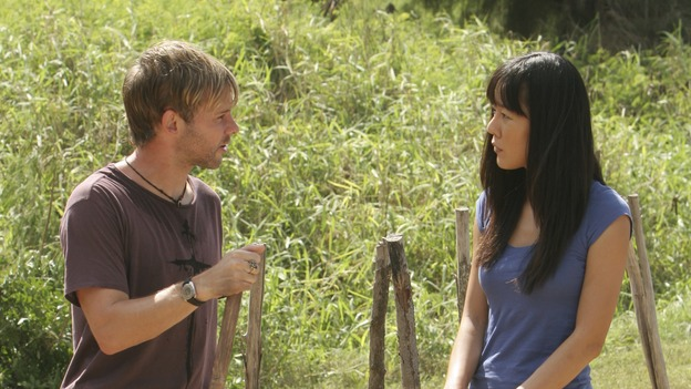 "LOST - ""Expos"" - Hurley begins to suspect that Sawyer may be involved in an island mystery surrounding two fellow survivors, and Sun learns the truth about her past kidnapping attempt by ""The Others,"" on ""Lost,"" WEDNESDAY, MARCH 28 (10:00-11:00 p.m., ET), on the ABC Television Network. (ABC/MARIO PEREZ)DOMINIC MONAGHAN, YUNJIN KIM"