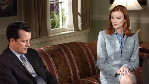 "DESPERATE HOUSEWIVES - ""AH, BUT UNDERNEATH"" (ABC/RON TOM) STEVEN CULP, MARCIA CROSS"