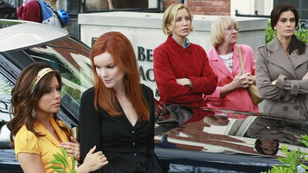 DESPERATE HOUSEWIVES - &quot;Look Into Their Eyes and You See What They Know&quot; - Nicole Sheridan takes her final stroll down Wisteria Lane in unforgettable fashion on ABC's &quot;Desperate Housewives,&quot; SUNDAY, APRIL 19 (9:00-10:01 p.m., ET). As the women look back on Edie's life, Susan recalls their first meeting, Lynette reflects on a memorable night out, Bree is reminded of the thoughtfulness she bestowed upon Orson, and Gaby remembers fondly a night of friendly competition. (ABC/RON TOM)EVA LONGORIA PARKER, MARCIA CROSS, FELICITY HUFFMAN, KATHRYN JOOSTEN, TERI HATCHER