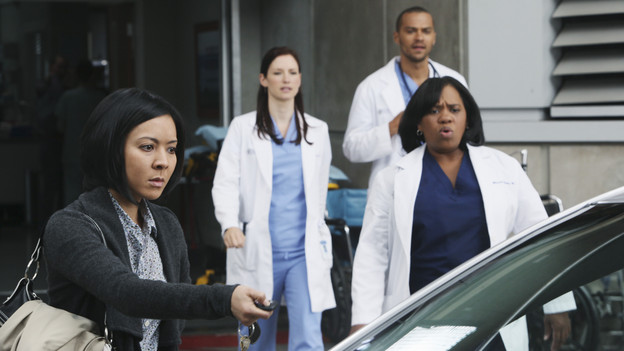 "GREY'S ANATOMY - ""Superfreak"" - When Derek receives an unexpected and unwelcome visit from his estranged sister, Amelia, issues between the siblings -- both past and present -- come to the surface; the Chief tries to help Alex when he notices that he's refusing to use the elevators after his near-fatal shooting; and Meredith and Derek continue their efforts to ease Cristina back into surgery after her post-traumatic stress, on ""Grey's Anatomy,"" THURSDAY, OCTOBER 7 (9:00-10:01 p.m., ET) on the ABC Television Network. (ABC/DANNY FELD)JOLENE KIM, CHYLER LEIGH, JESSE WILLIAMS, CHANDRA WILSON"