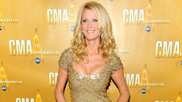 "THE 44TH ANNUAL CMA AWARDS - RED CARPET ARRIVALS - ""The 44th Annual CMA Awards"" will be broadcast live from the Bridgestone Arena in Nashville, WEDNESDAY, NOVEMBER 10 (8:00-11:00 p.m., ET) on the ABC Television Network. (ABC/ANDREW WALKER)SANDRA LEE"