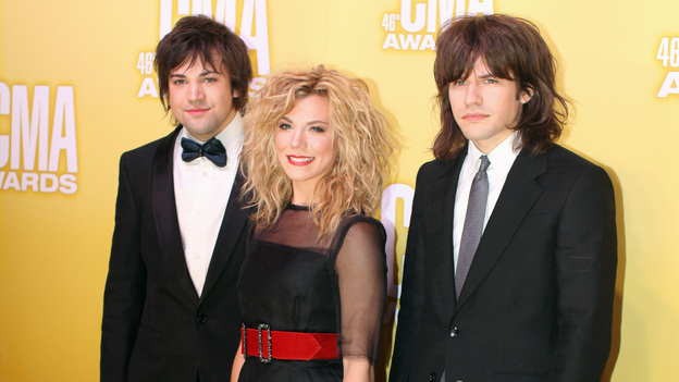 "THE 46TH ANNUAL CMA AWARDS - RED CARPET ARRIVALS - ""The 46th Annual CMA Awards"" airs live THURSDAY, NOVEMBER 1 (8:00-11:00 p.m., ET) on ABC live from the Bridgestone Arena in Nashville, Tennessee. (ABC/SARA KAUSS)THE BAND PERRY"