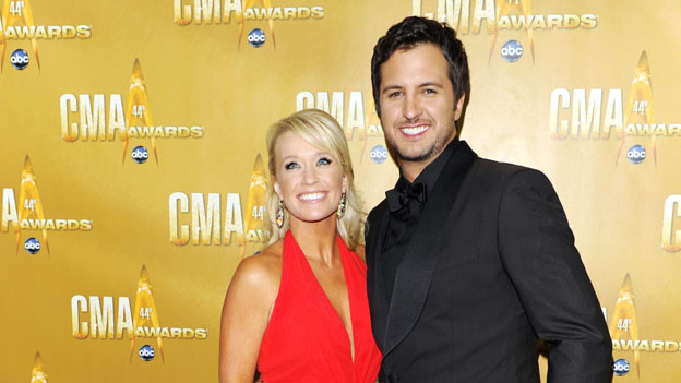 "THE 44TH ANNUAL CMA AWARDS - RED CARPET ARRIVALS - ""The 44th Annual CMA Awards"" will be broadcast live from the Bridgestone Arena in Nashville, WEDNESDAY, NOVEMBER 10 (8:00-11:00 p.m., ET) on the ABC Television Network. (ABC/ANDREW WALKER)LUKE BRYAN"