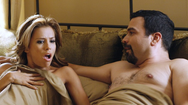 "DESPERATE HOUSEWIVES - ""Sweetheart, I Have to Confess"" - Didn't these two just get divorced?, on ""Desperate Housewives,"" SUNDAY, OCTOBER 29 (9:00-10:01 p.m., ET) on the ABC Television Network. (ABC/RON TOM) EVA LONGORIA, RICARDO ANTONIO CHAVIRA"