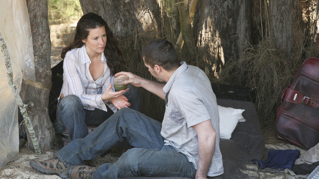 LOST - &quot;The Greater Good&quot; - Jack and Kate. After burying one of their own, tempers flare as the castaways' suspicions of each other grow, on &quot;Lost,&quot;&nbsp;THURSDAY, MAY 4 on the ABC&nbsp;Television Network. (ABC/MARIO PEREZ) EVANGELINE LILLY, MATTHEW FOX