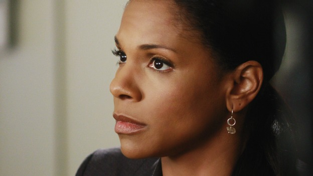 "GREY'S ANATOMY - ""Before and After"" - Dr. Naomi Bennett, on ""Grey's Anatomy,"" THURSDAY, FEBRUARY 12 (9:00-10:02 p.m., ET) on the ABC Television Network. (ABC/RON TOM) AUDRA MCDONALD"