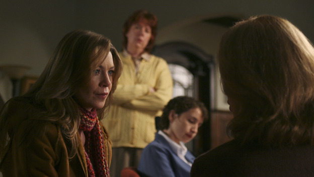 "102104_2801 -- GREY'S ANATOMY - ""SHAKE YOUR GROOVE THING"" (ABC/SCOTT GARFIELD)ELLEN POMPEO, KATE BURTON"