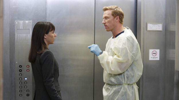 "GREY'S ANATOMY - ""Bad Blood"" - As Derek and April work around the clock to find a solution for the hospital, Cristina struggles to respect the wishes of a family whose son is dying. Meanwhile, Arizona empathizes with a teenager who faces problems similar to her own, on ""Grey's Anatomy,"" THURSDAY, JANUARY 31 (9:00-10:02 p.m., ET) on the ABC Television Network. (ABC/KELSEY MCNEAL)CONSTANCE ZIMMER, KEVIN MCKIDD"