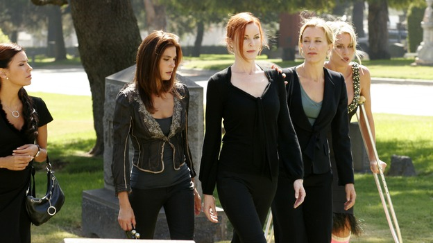 "DESPERATE HOUSEWIVES - ""They Asked Me Why I Believe in You"" -- Susan's longtime book agent and dear friend, Lonny Moon (guest star Wallace Shawn), gets into financial trouble; Lynette is forced to go out to bars night after night with her man-hungry boss, Nina (guest star Joely Fisher); Bree re-buries Rex amid police suspicions, and Gaby hires hotshot lawyer David Bradley (guest star Adrian Pasdar) to defend Carlos, on Desperate Housewives,"" SUNDAY, OCTOBER 23 (9:00-10:01 p.m., ET) on the ABC Television Network. (ABC/RON TOM)EVA LONGORIA, TERI HATCHER, MARCIA CROSS, FELICITY HUFFMAN, NICOLLETTE SHERIDAN"