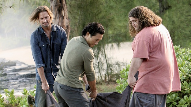 LOST - &quot;Expos&quot; - Hurley begins to suspect that Sawyer may be involved in an island mystery surrounding two fellow survivors, and Sun learns the truth about her past kidnapping attempt by &quot;The Others,&quot; on &quot;Lost,&quot; WEDNESDAY, MARCH 28 (10:00-11:00 p.m., ET), on the ABC Television Network. (ABC/MARIO PEREZ)JOSH HOLLOWAY, DANIEL DAE KIM, JORGE GARCIA