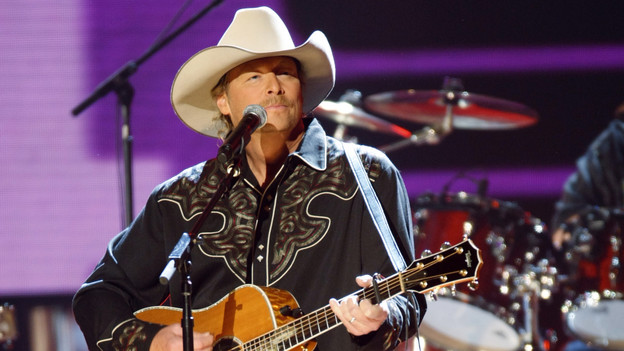 "THE 42ND ANNUAL CMA AWARDS - THEATRE - ""The 42nd Annual CMA Awards"" aired live from the Sommet Center in Nashville, WEDNESDAY, NOVEMBER 12 (8:00-11:00 p.m., ET) on the ABC Television Network. (ABC/CHRIS HOLLO)GEORGE STRAIT"