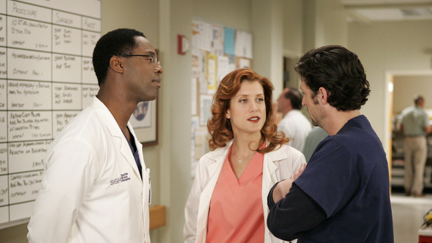 "102468_6691 -- GREY'S ANATOMY - ""RAINDROPS KEEP FALLING ON MY HEAD"" (ABC/CRAIG SJODIN)ISAIAH WASHINGTON, KATE WALSH, PATRICK DEMPSEY"