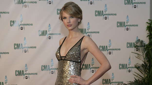 "THE 42ND ANNUAL CMA AWARDS - ARRIVALS - ""The 42nd Annual CMA Awards"" will be broadcast live from the Sommet Center in Nashville, WEDNESDAY, NOVEMBER 12 (8:00-11:00 p.m., ET) on the ABC Television Network. (ABC/ADAM LARKEY)TAYLOR SWIFT"