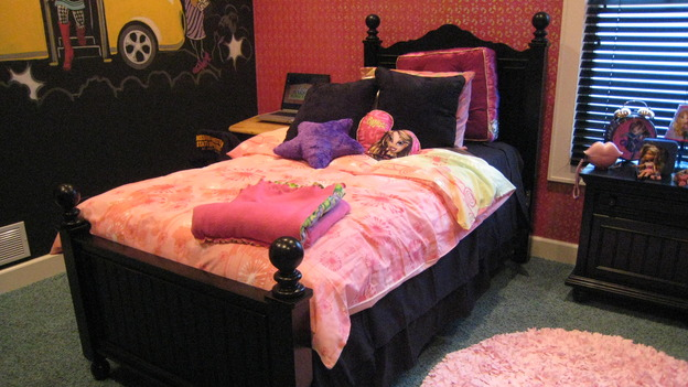 EXTREME MAKEOVER HOME EDITION - &quot;Jacobo Family&quot; - Girls' Bedroom, on &quot;Extreme Makeover Home Edition,&quot; Sunday, May 13th on the ABC Television Network.