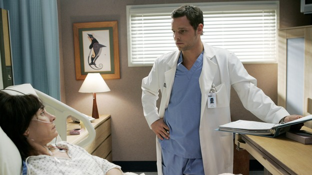 "GREY'S ANATOMY - ""Name of the Game"" - George begins to overstay his welcome at Burke's apartment; Meredith learns a secret about her father; Bailey worries her colleagues will not treat her the same now that she's a mother; and Alex gets a lesson in bedside manners, on ""Grey's Anatomy,"" SUNDAY, APRIL 2 (10:00-11:00 p.m., ET) on the ABC Television Network. (ABC/PETER ""HOPPER"" STONE)LAURIE METCALF, JUSTIN CHAMBERS"