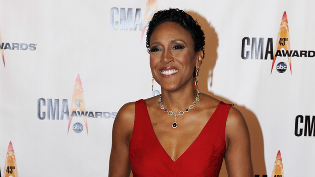 "THE 43rd ANNUAL CMA AWARDS - RED CARPET ARRIVALS - ""The 43rd Annual CMA Awards"" will be broadcast live from the Sommet Center in Nashville, WEDNESDAY, NOVEMBER 11 (8:00-11:00 p.m., ET) on the ABC Television Network. (ABC/DONNA SVENNEVIK)ROBIN ROBERTS"