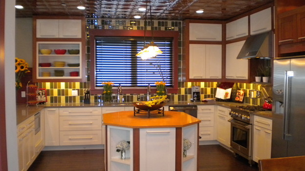 EXTREME MAKEOVER HOME EDITION - &quot;Montgomery Family,&quot; - Kitchen, on &quot;Extreme Makeover Home Edition,&quot; Sunday, October 25th on the ABC Television Network.