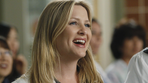 Arizona made her debut at Seattle Grace by taking over the care of a boy Bailey and the late Dr. Kenley have been treating for three years. Arizona decided the treatment her colleagues were using was outdated. It also didn't sit too well with Bailey after Arizona opened the boy up and saw just how bad of shape he was really in. Cue Bailey running to the Chief in a huff.