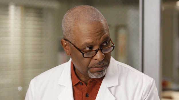 "GREY'S ANATOMY - ""Tainted Obligation"" - When Meredith and Lexie's father, Thatcher, returns to the hospital with a failed liver, it's up to Meredith to save his life. Meanwhile, Izzie empathizes with a patient riddled with tumors, as Mark, annoyed with Cristina's competitive zeal, tricks her into assisting on an unusual surgery, on ""Grey's Anatomy,"" THURSDAY, OCTOBER 8 (9:00-10:01 p.m., ET) on the ABC Television Network. (ABC/MICHAEL DESMOND)JAMES PICKENS JR."
