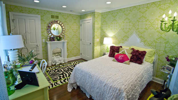 "EXTREME MAKEOVER HOME EDITION - ""Morris Family,"" - Girl's Bedroom, on ""Extreme Makeover Home Edition,"" Sunday, January 3rd on the ABC Television Network."