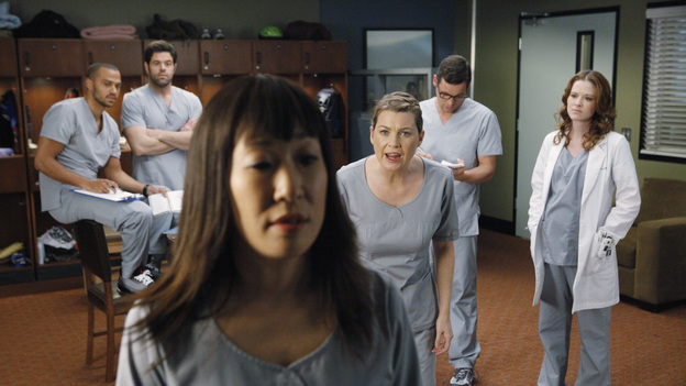 "GREY'S ANATOMY - ""If/Then"" - As Meredith puts Zola to bed and falls asleep, she begins to wonder -- what if her mother had never had Alzheimer's and she'd had loving, supportive parents? The reverberations of a happy Meredith Grey change the world of Seattle Grace as we know it. What if she had never met Derek in that bar and he had never separated from Addison? What if Callie and Owen had become a couple long before she met Arizona? And what if Bailey never evolved from the meek intern she once was? ""Grey's Anatomy"" airs THURSDAY, FEBRUARY 2 (9:00-10:02 p.m., ET) on the ABC Television Network. (ABC/VIVIAN ZINK)JESSE WILLIAMS, ROBERT BAKER, SANDRA OH, ELLEN POMPEO, JUSTIN CHAMBERS, SARAH DREW"