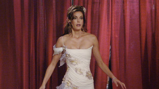 DESPERATE HOUSEWIVES - &quot;Suspicious Minds&quot; -- Looking to give her life a purpose, Gabrielle decides to organize a glamorous Halston fashion show for charity highlighting the ladies of Wisteria Lane. But Susan is less than charitable toward her friend when she discovers Gabrielle's shocking secret. Meanwhile, Lynette uses her business acumen to poach a nanny, and Bree decides to take Andrew's out-of-control behavior into her own hands, on &quot;Desperate Housewives,&quot; SUNDAY, XXXXXXXX (9:00-10:00 p.m., ET) on the ABC Television Network. (ABC/DANNY FELD)TERI HATCHER