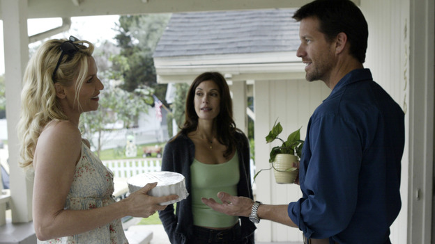 "DESPERATE HOUSEWIVES - ""PILOT"" (ABC/PETER ""HOPPER"" STONE) NICOLETTE SHERIDAN, TERI HATCHER, JAMES DENTON"