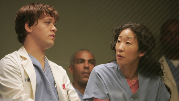 "101745_023 -- GREY'S ANATOMY - ""NO MAN'S LAND"" (ABC/VIVIAN ZINK)T.R. KNIGHT, SANDRA OH"