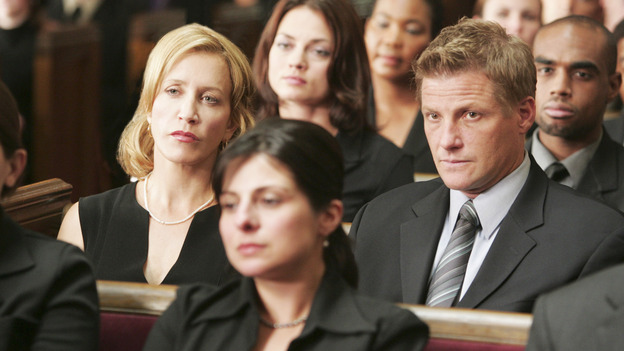 "DESPERATE HOUSEWIVES ""Next"" - Lynette and Tom Scavo at Rex Van de Kamp's funeral - (ABC/VIVIAN ZINK) FELICITY HUFFMAN, DOUG SAVANT"