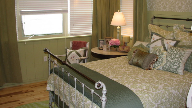 "EXTREME MAKEOVER HOME EDITION - ""Rogers Family,"" - Master Bedroom, on ""Extreme Makeover Home Edition,"" Sunday, September 24th on the ABC Television Network."