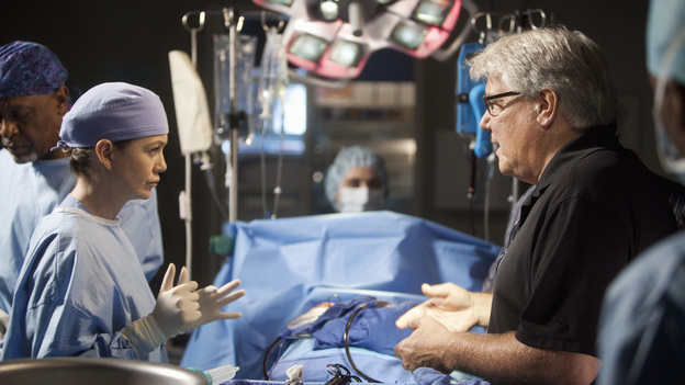 "GREY'S ANATOMY - ""Hope for the Hopeless"" - Richard performs his 10,000th surgery on a pair of bickering sisters (Nia Vardalos and Peri Gilpin) who come into the hospital for a liver transplant; Derek and Lexie take on a neuroblastoma case that has been previously deemed inoperable; Teddy and Cristina cross the line when they go against Owen's orders and try to steal a case from Alex and Dr. McQueen; Ellis Grey's shadow looms as Meredith searches for a specialty; meanwhile Adele is brought into the hospital after she is found wandering the streets, on Grey's Anatomy, THURSDAY, JANUARY 19 (9:00-10:02 p.m., ET) on the ABC Television Network. (ABC/RANDY HOLMES)ELLEN POMPEO, MARK JACKSON (DIRECTOR)"
