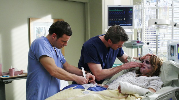 "GREY'S ANATOMY - ""Some Kind of Miracle"" - One person's fight to live affects everyone at Seattle Grace, in the dramatic conclusion to ""Grey's Anatomy's"" three-episode story arc. ""Some Kind of Miracle"" airs THURSDAY, FEBRUARY 22 (9:00-10:01 p.m., ET) on the ABC Television Network. Elizabeth Reaser (Independent Spirit Award nominee for ""Sweet Land"") guest stars as a patient. (ABC/RON TOM)JUSTIN CHAMBERS, ERIC DANE, ELIZABETH REASER"