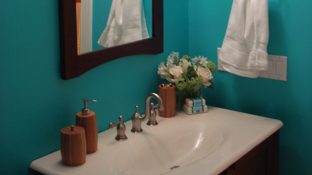 "EXTREME MAKEOVER HOME EDITION - ""Silva Family,"" - Bathroom, on ""Extreme Makeover Home Edition,"" Sunday, May 4th on the ABC Television Network."