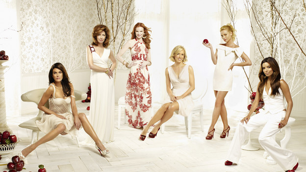 "DESPERATE HOUSEWIVES - ABC's ""Desperate Housewives"" stars Teri Hatcher as Susan Mayer, Dana Delany as Katherine Mayfair, Marcia Cross as Bree Van De Kamp, Felicity Huffman as Lynette Scavo, Nicollette Sheridan as Edie Britt and Eva Longoria Parker as Gabrielle Solis. (ABC/RANDEE ST. NICHOLAS)"