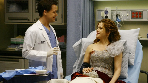 "GREY'S ANATOMY - ""Dream a Little Dream of Me"" - George checks on one of the three injured women, on ""Grey's Anatomy,"" THURSDAY, SEPTEMBER 25 (9:00-11:00 p.m., ET) on the ABC Television Network. (ABC/SCOTT GARFIELD) T.R. KNIGHT, BERNADETTE PETERS"