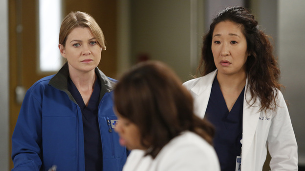 "GREY'S ANATOMY - ""Walking on a Dream"" - The Seattle Grace doctors are on edge when a new medical professional enters the hospital; Arizona struggles with the emotional and physical pain of a phantom limb; and while battling pregnancy hormones, an overly-emotional Meredith is confronted with her worst fear, on ""Grey's Anatomy,"" THURSDAY, JANUARY 24 (9:00-10:02 p.m., ET) on the ABC Television Network. (ABC/KELSEY MCNEAL)ELLEN POMPEO, CHANDRA WILSON, SANDRA OH"