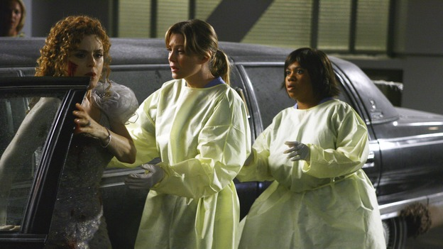 GREY'S ANATOMY - &quot;Dream a Little Dream of Me&quot; - On the two-hour season premiere of &quot;Grey's Anatomy,&quot; Meredith and Derek learn that &quot;happily ever after&quot; isn't easy, a military doctor who brings in a trauma patient catches Cristina's eye, and the Chief and his staff reel at the news that Seattle Grace is no longer nationally ranked as a top-tier teaching hospital, on &quot;Grey's Anatomy,&quot; THURSDAY, SEPTEMBER 25 (9:00-11:00 p.m., ET) on the ABC Television Network. (ABC/SCOTT GARFIELD)BERNADETTE PETERS, ELLEN POMPEO, CHANDRA WILSON