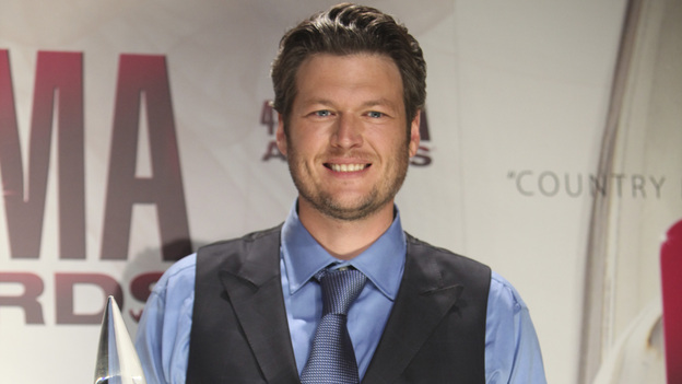 "THE 45th ANNUAL CMA AWARDS - GENERAL - ""The 45th Annual CMA Awards"" broadcast live on ABC from the Bridgestone Arena in Nashville on WEDNESDAY, NOVEMBER 9 (8:00-11:00 p.m., ET). (ABC/SARA KAUSS)BLAKE SHELTON"